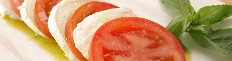 Ensalada caprese con aceite de albahaca - MisThermorecetas