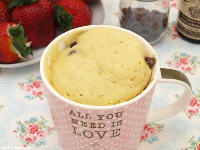 Mug Cake de vainilla con pepitas de chocolate - MisThermorecetas