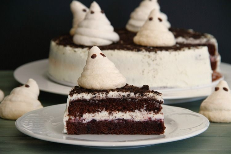 "Halloween: Tarta con ""Fantasmitas"" de merengue"