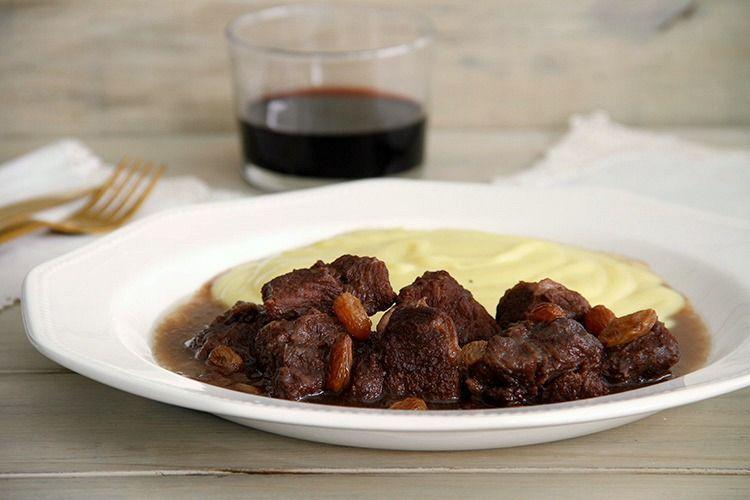 Carrilleras de cerdo ibérico con pasas, al vino de Pedro Ximénez