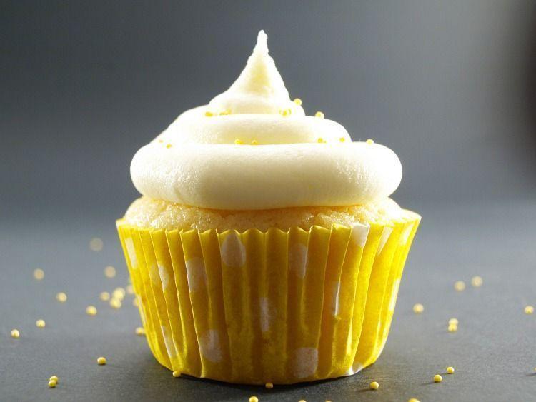 Cupcakes de limón con buttercream de limón