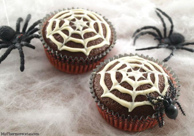 """Halloween: Magdalenas """"tela de araña"""""""