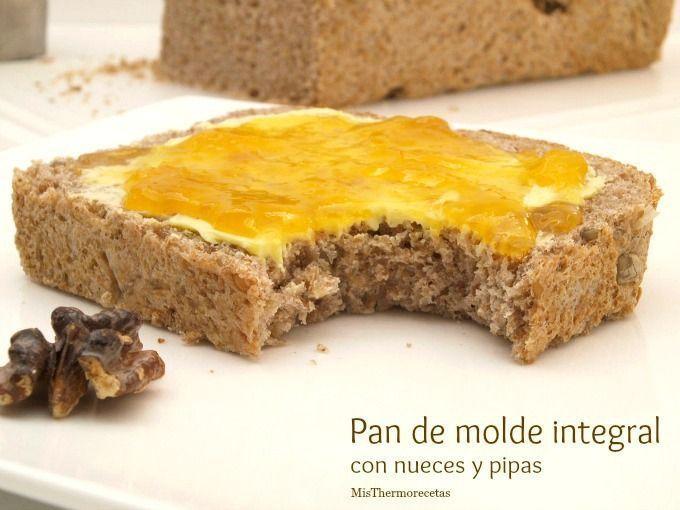 Pan de molde integral con nueces y pipas