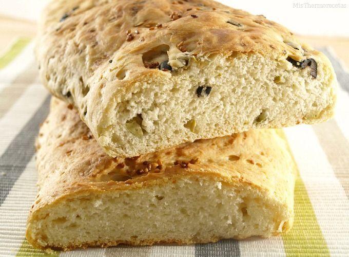 Pan de queso feta y pan de aceitunas