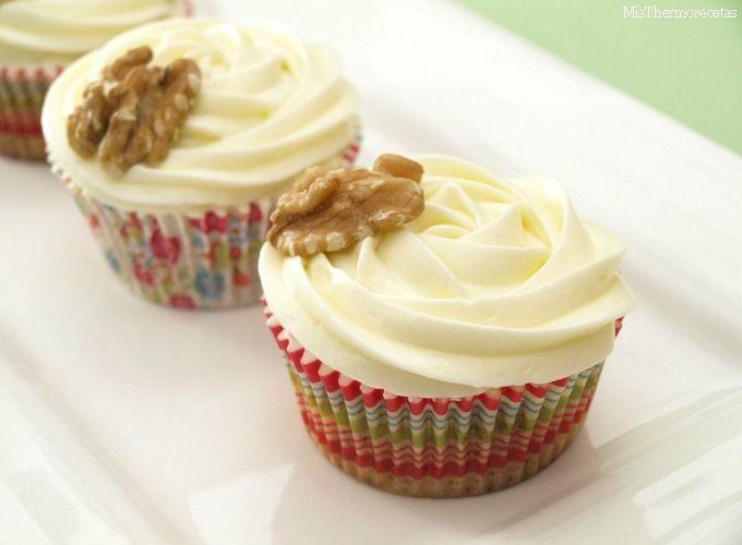 Hummingbird cupcakes (Cupcakes de piña, plátano, coco y nueces)