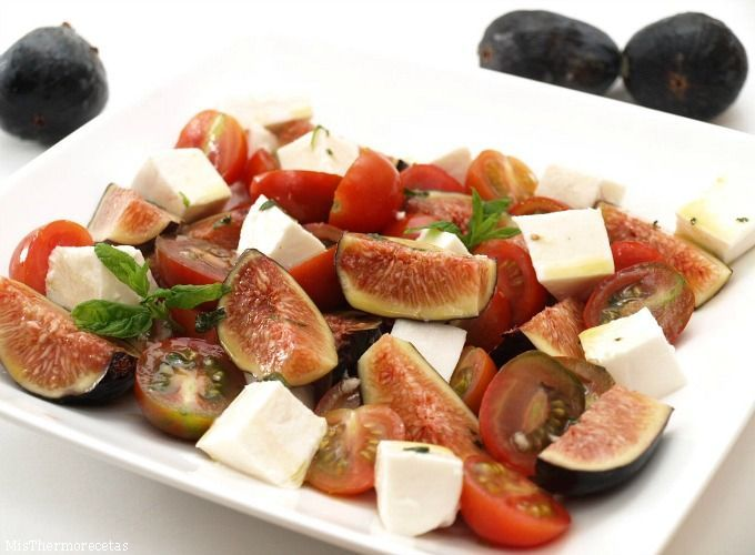Ensalada de higos con tomate y vinagreta de miel