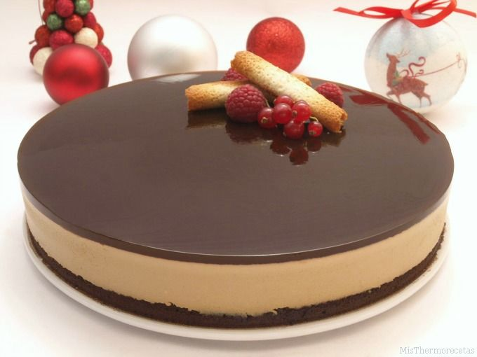 Tarta de chocolate blanco y crema de orujo