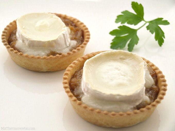 Tartaletas de cebolla caramelizada con queso de cabra