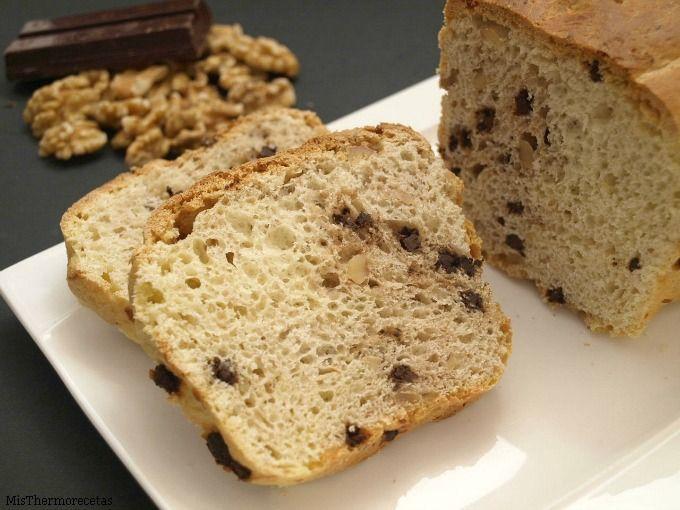Pan de mantequilla con nueces y chocolate