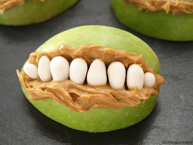 Halloween: Bocas terroríficas de manzana y mantequilla de cacahuete