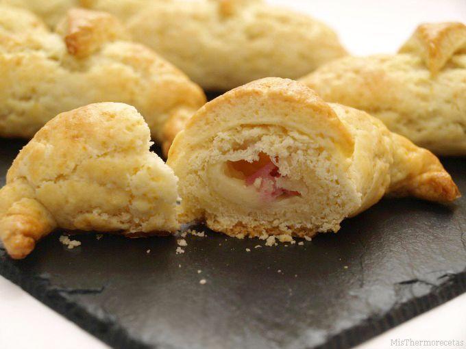Croissants rellenos de jamón y queso - MisThermorecetas