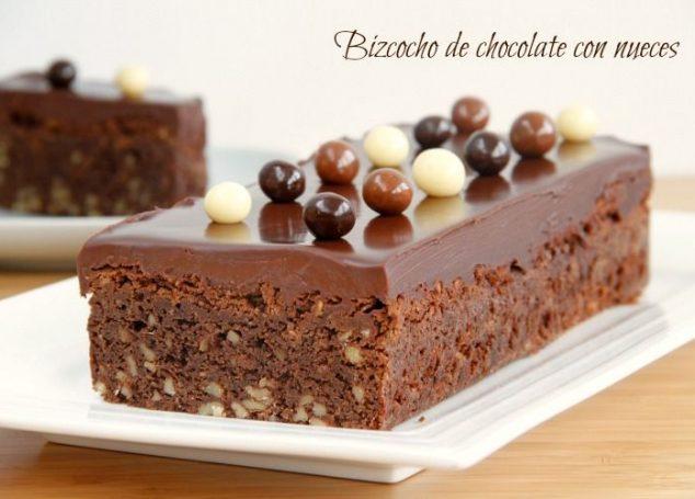 Bizcocho de chocolate con nueces