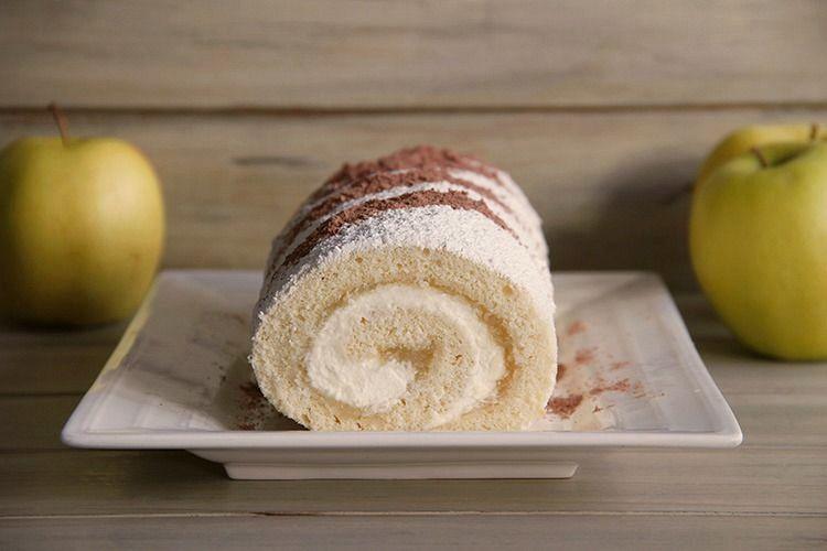 Brazo de gitano con nata y compota de manzana