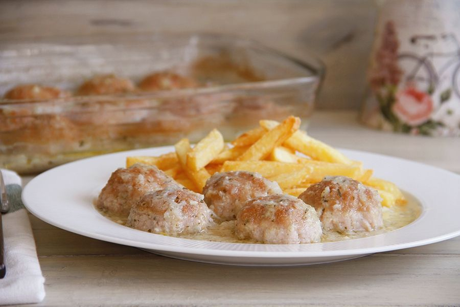 Albóndigas de pollo con almendras