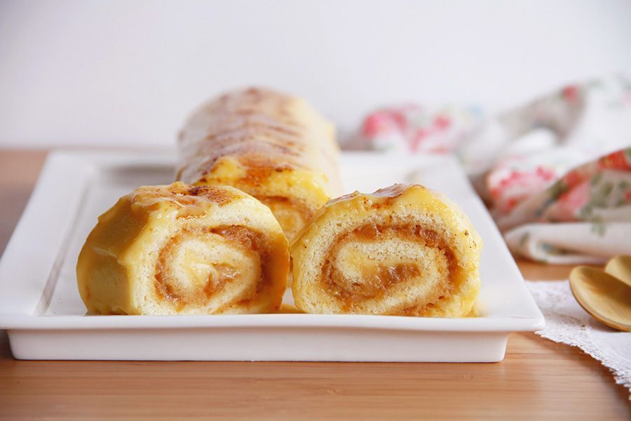 Brazo tibio de crema y manzana