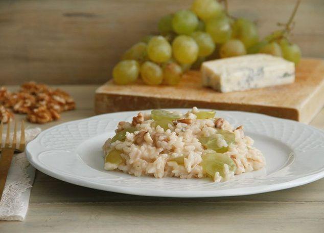Risotto con nueces, uvas y gorgonzola