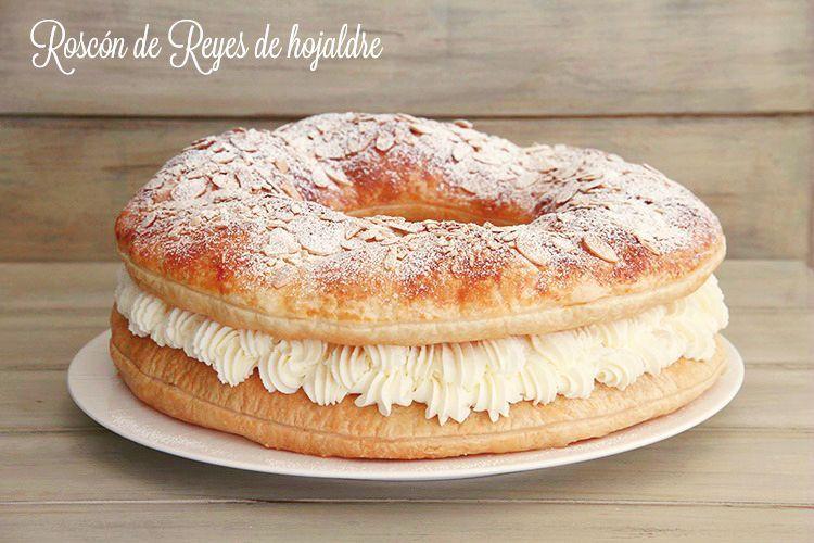 Roscón de Reyes de hojaldre, relleno de nata montada