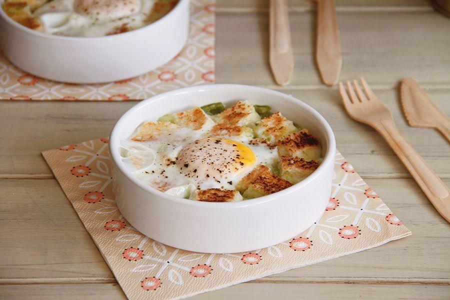 Cazuelas de huevo con mozzarella (para dos)