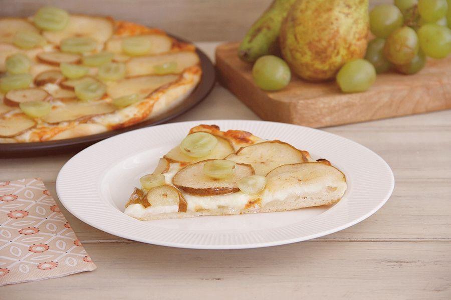 Pizza de peras con uvas, con Thermomix