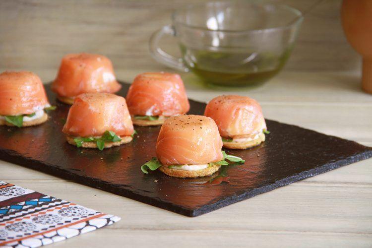 Tostas con bombón de salmón, con Thermomix