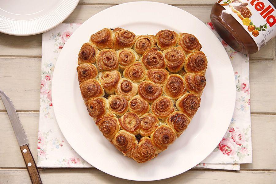 Pastel de caracolas de hojaldre y chocolate