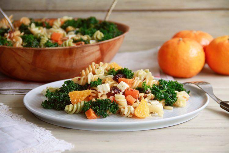 Ensalada de pasta con mandarinas y frutos secos, con Thermomix