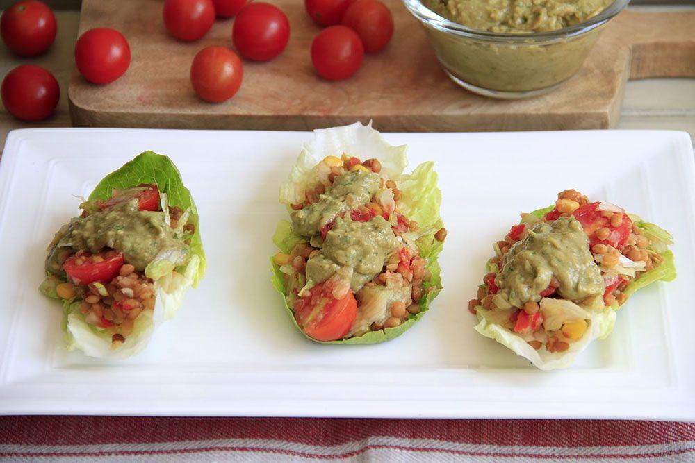 Ensalada de lentejas con vinagreta de cilantro y aguacate