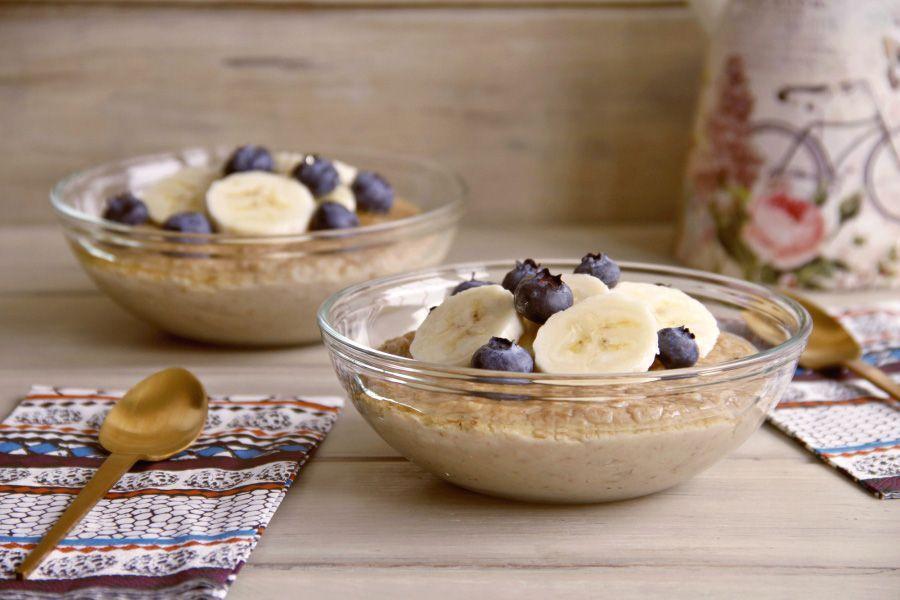 Porridge con bebida de coco