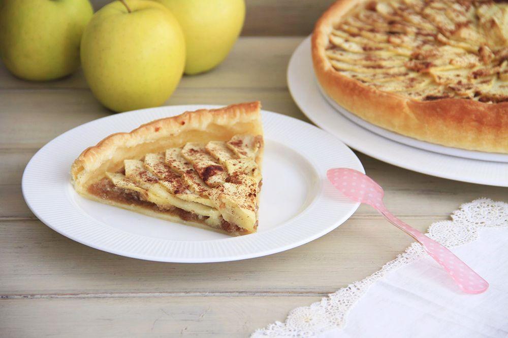 Tarta de manzana y pasas